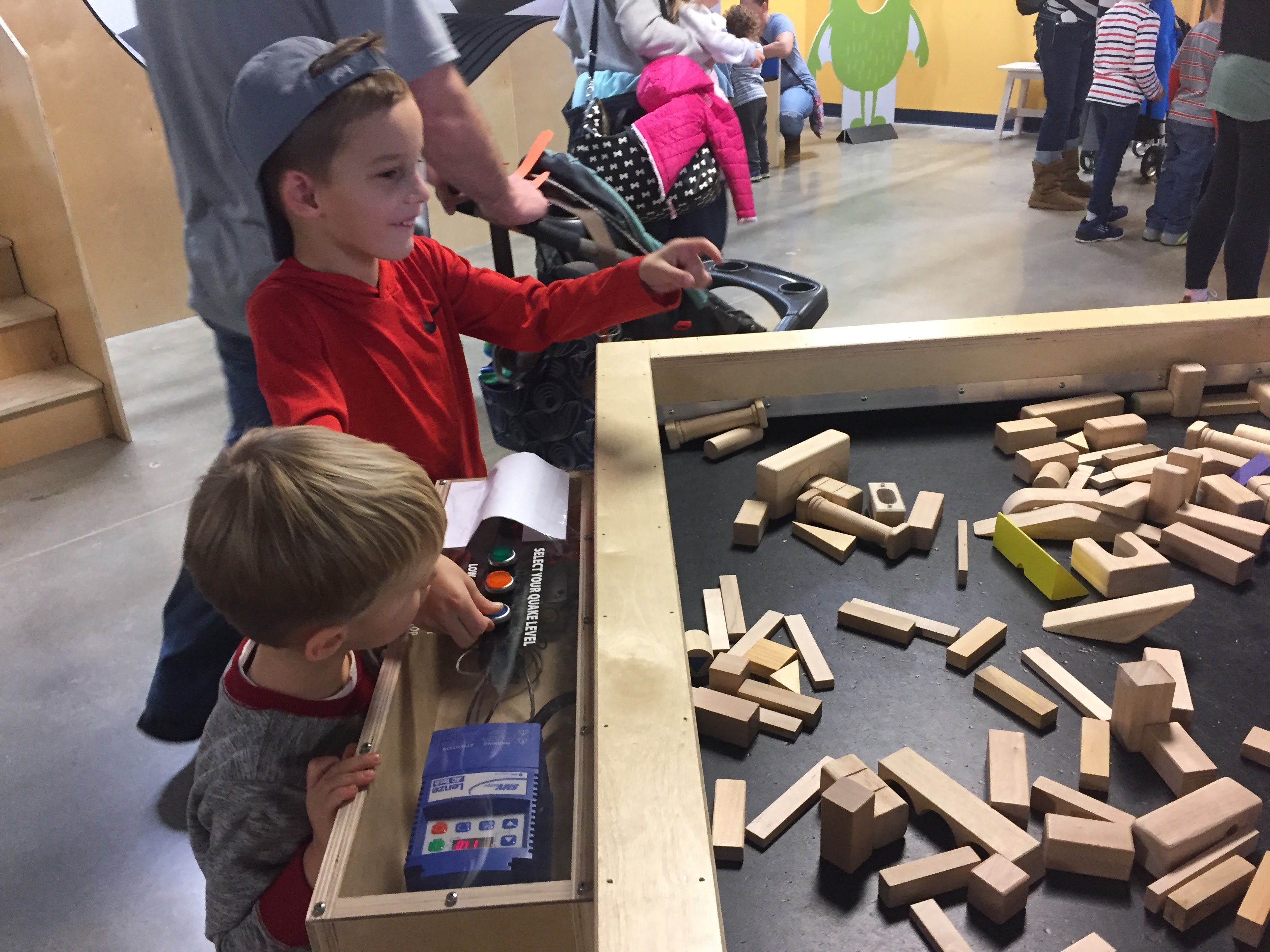 Earthquake Shake Table at Akron Children's Museum